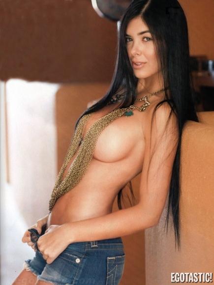 Mariana Davalos en Maxim