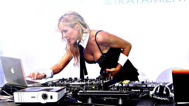 Natalia Paris, DJ